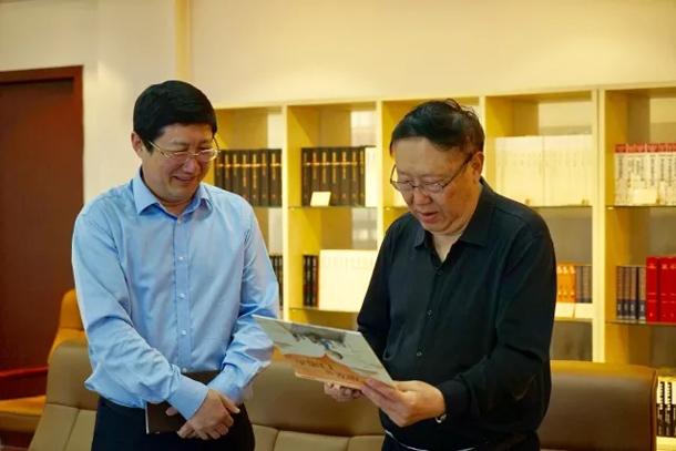 中国作家协会副主席、中...